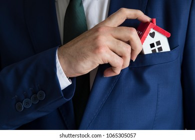 The man put a house in your pocket for real estate and mortgage investment. Being an easy way homeowner.