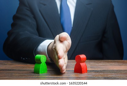 A man puts his hand between conflicting persons. Avoidance violence, preventing conflict escalation. Witnesses protection. Mediator services. Stop fight, ceasefire. Find a compromise. Lawsuit trial