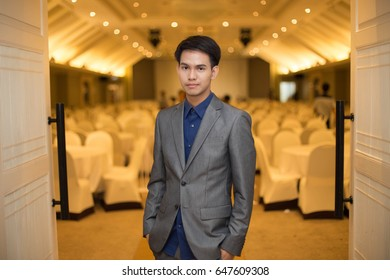 Man in suit / Handsome Thai man in gray suit