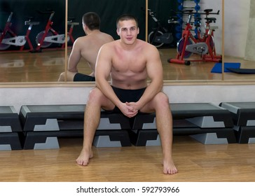 Man train in the gym.