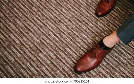 Man training shoes Stylish brown men's shoes