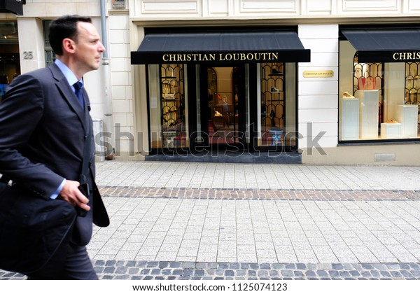 adresse louboutin luxembourg