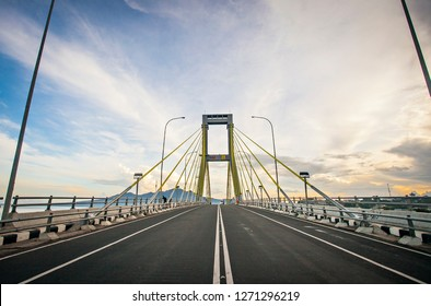 Manado, North Sulawesi, Indonesia : Sukarno Bridge, the biggest bridge in Manado that connecting two part of the city (11/2017).