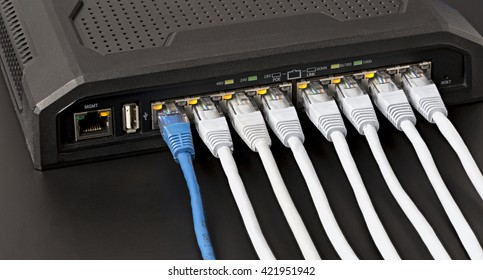 Managed lan switch with 10 power over ethernet gigabit ports