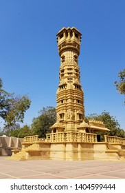 The Manasthamba (or column of honour) at Hutheesing Jain Temple located in Ahmedabad, Gujarat state, India. The temple is dedicated to Lord Dharmanatha, the fifteenth Jain Tirthankar.