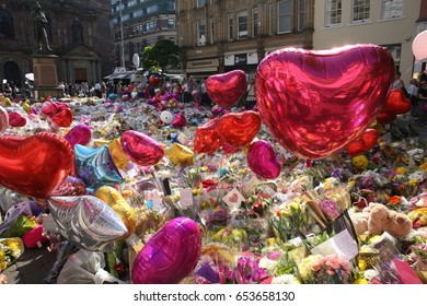 Manchester, UK. May 25, 2017. A sea of hearts in St Ann's Square , a mark of love after the Manchester bombing. The attack happened a few days before seven people died in a second attack in London.