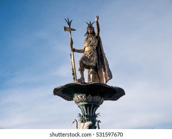 Manco Capac water fountain golden statue