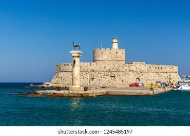 Mandraki-Port in Rhodes-City