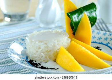 Mango Sticky Rice with coconut milk , Thai dessert
