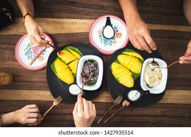 mango and sticky rice thai dessert