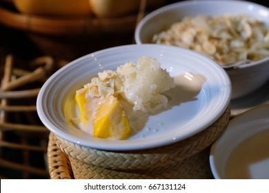 mango and sticky rice,sticky rice with mango, thai sweet