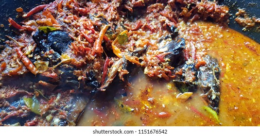 Mangut Lele Asap, Smoked cat fish served with chilli and coconut sauce
