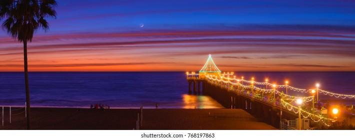 Manhattan beach pier during the holidays