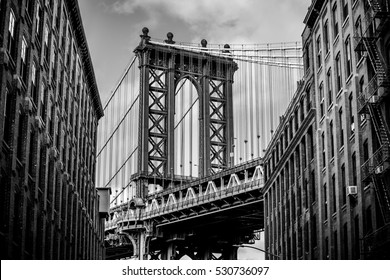 Manhattan bridge - Dumbo Brooklyn -  black and white