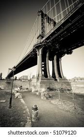 Manhattan Bridge, vintage monochrome