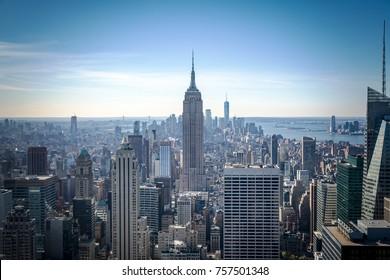 Manhattan Midtown Skyline mit Wolkenkratzern am Morgen. New York City, USA