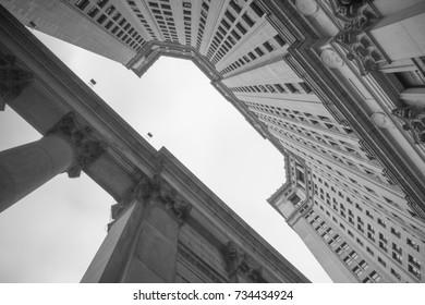 Manhattan Municipal Building New York City - Monochrome black and white