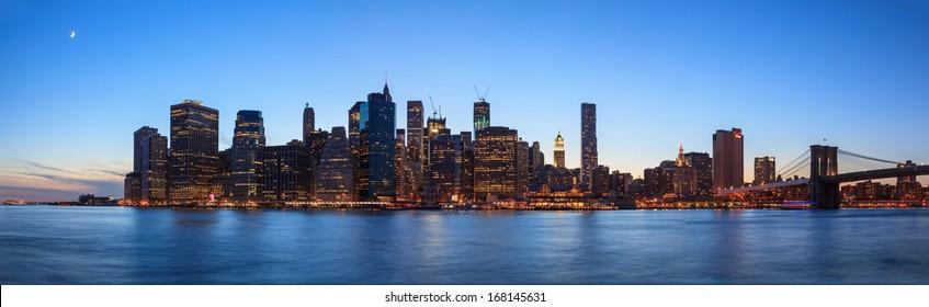 Manhattan panorama  from Brooklyn Park