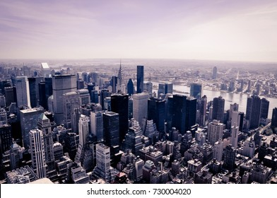 Manhattan seen since the roof of one of the highest building of New York
