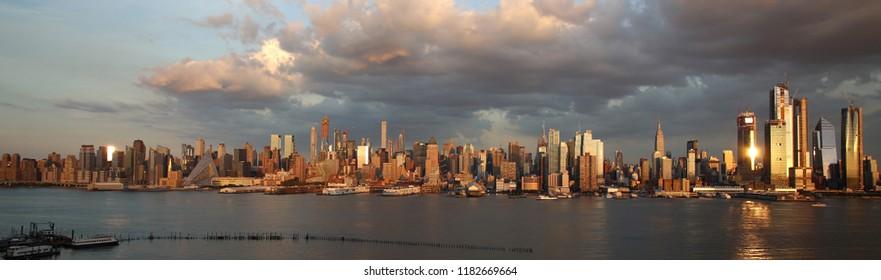 Manhattan Skyline from NewJersey, New York City