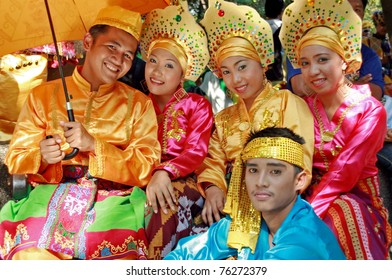 MANILA - APRIL 16: Contingent from different parts of the country celebrate The 2011 Aliwan Fiesta on April 16, 2011 in Manila Philippines. Performers dressed with ethnic costumes they represent.