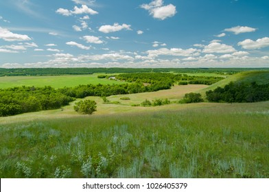 Manitoba, Canada.  Overlooking the Assiniboine River Valley to the north of Oak Lake in summer.