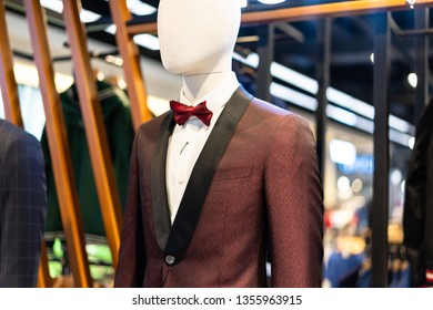 a3e899307 mannequin with suit in shopping mall