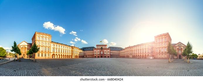 Mannheim, Castle