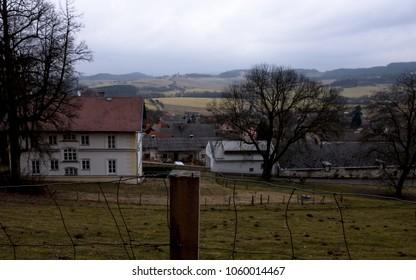 Manor house below Klenova Castle