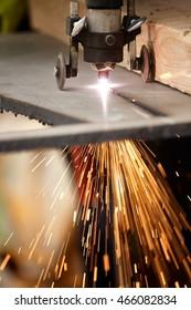 Manual Plasma Cutting Machine on Steel Plate