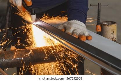 Manual Plasma Cutting Machine, Steel Manufacturing Industry.