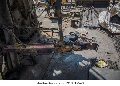 Manual Tong in oil and gas rig.