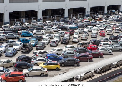 Many cars in the parking lot