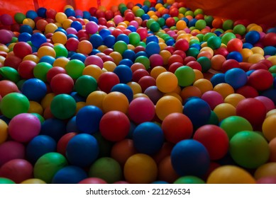 Many Colorful Balls.