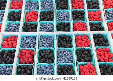many colors of various berries make a pretty picture