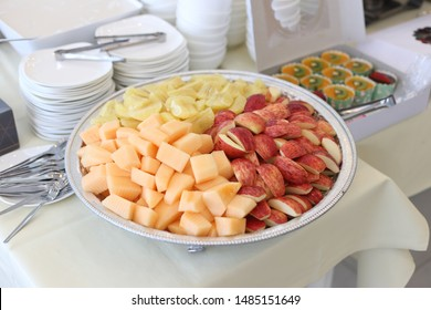 many fruit in the dish