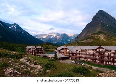 Many glaciers hotel. Montana