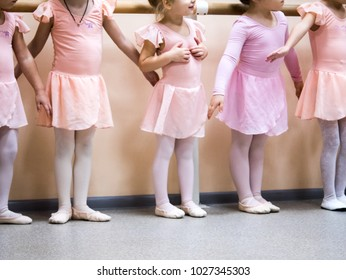 Many kids legs Ballerina Ballet classes in class