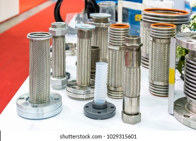 many kind of stainless steel flexible hose and flange  for high and medium temperature or pressure system for industrial on table