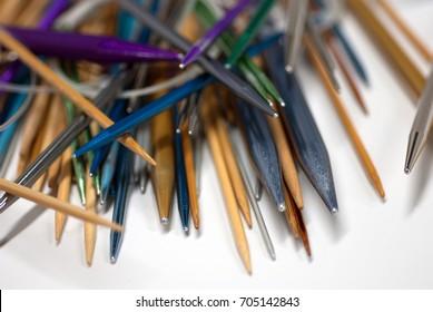 So many knitting needles