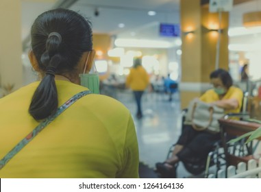 Many patient wait for doctors and nurses in the hospital.