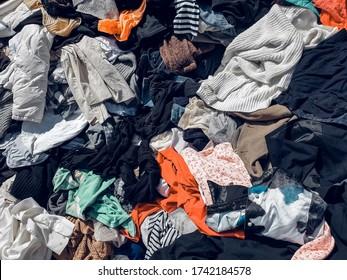 Viele gebrauchte Kleidungsstücke sind in Thailand zu günstigen Preisen erhältlich.