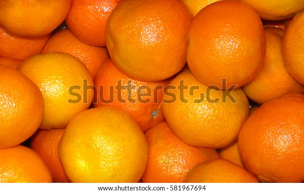 Many tangerine
