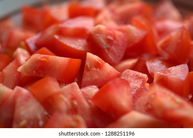many tomato pieces for a tomato sauce