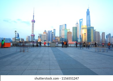 Many tourists are enjoying the night scene in the Bund, Shanghai