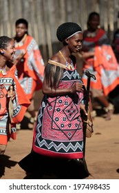 MANZINI, SWAZILAND - MAY 30 : unidentified young woman wears traditional clothing and dance, during presentation of a Swazi show on May 30, 2014 Manzini, Swaziland