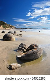 Maoraki boulders, New Zealand