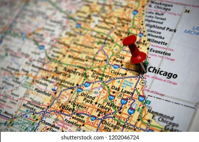 A map of Chicago, Illinois marked with a push pin.