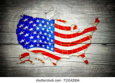 Map and flag of the usa on wooden background