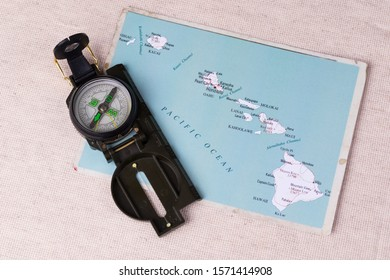 Map of Hawaii State, compass. View from above